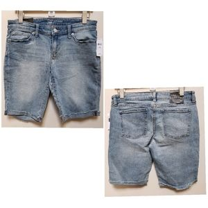 Gap Factory Bermuda Cuffed Jean Shorts Size 2/26